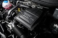 「1.0 TFSI」に搭載される1リッター直3直噴ターボエンジン。アイドリングストップ機構との組み合わせで、22.9km/リッターという燃費性能を実現している(JC08モード)。