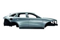 車体の80%にアルミニウムが使用されている。