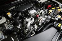 2リッターターボ、2.5、3リッターエンジンでは、出力やトルクの向上が図られた。こちらは「アウトバック」に搭載される、2.5リッターエンジン。従来より12psパワーアップされた。