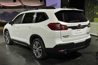 スバルが3列シートの新型SUV「アセント」を発表の画像