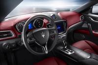 内外装の仕様については、基本的にガソリンエンジンを搭載したベースグレードと共通となっている(写真はガソリンエンジン搭載車のもの)。