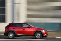 スタイリッシュなシルエットは「CX-3」のセリングポイントのひとつ。SUVでありながら、全高は多くの立体駐車場に入庫可能な1550mmに抑えられている。