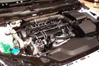 エンジンルーム内の「D4」ユニット。通常は、ソフトなエンジンカバーに覆われている。