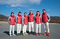 写真左から千代勝正選手、佐々木大樹選手、星野一樹選手、ミハエル・クルム校長、松田次生選手、藤井誠暢選手。豪華すぎる講師陣である。
