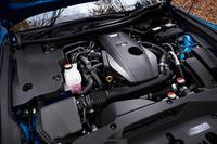 「8AR-FTS」と呼ばれる2リッター直4直噴ターボエンジン。「レクサスNX」から導入が開始されたパワーユニットで、「クラウン」に搭載されるものは235psの最高出力と35.7kgmの最大トルクを発生する。