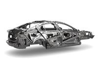 「XE」のアルミニウムアーキテクチャー。アルミニウム製モノコック構造の採用は、このセグメントでは初の試みとなる。
