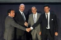 左から、コーンズ・アンド・カンパニー・リミテッドのマセラティプランドダイレクター平野徹氏、同社取締役クレイグ・ジョイナー氏、マセラティS.p.Aアジアパシフィック代表のシモーネ・ニコライ氏、マセラティジャパン代表取締役社長のファブリッツィオ・カッツォーリ氏。