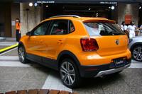 新型「VWクロスポロ」、販売開始の画像