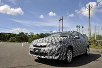 燃料電池自動車(FCV)の試作車。