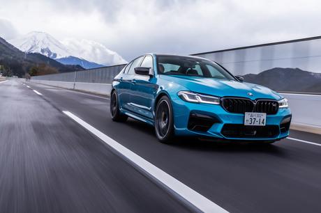 マイナーチェンジした「BMW 5シリーズ」のトップモデル「M5コンペティション」に試乗。625PSのV8ツインター...