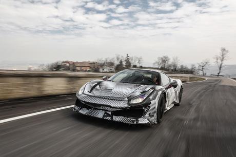 ジュネーブモーターショーでお披露目されたフェラーリのスペシャルモデル「488ピスタ」に公道とサーキット...