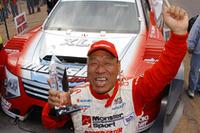 10分の壁は破れなかったものの、ワールドレコードタイム10分1秒408を記録しての総合優勝を果たした田嶋選手。記録更新は13年ぶり。