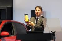 自動車事業のほか、「メルセデス・ベンツ コレクション」と呼ばれるグッズの販売については、帽子で有名な「ニューエラ」や米国のステンレスボトルメーカー「ハイドロフラスク」などといった、他ブランドとのコラボレーションを進めていくという。