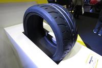 「ル・マンV」と同じく、2016年12月に発表されたスポーツタイヤ「DIREZZA Z III」。