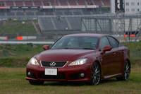 423ps、51.5kgmを発生する「IS F」。価格は、GS460を5万円上まわる766万円だ。