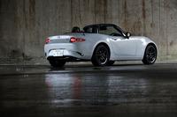 従来モデルから大幅な小型化、軽量化を果たしたND型「ロードスター」。車重は990~1060kgと、初代NA型に匹敵する軽さを実現している。