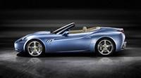 新型「フェラーリ・カリフォルニア」はトランクスルー! モンテゼーモロも「感動したーッ」