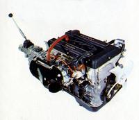 セリカ/カリーナ1600GTから移植された直4DOHC1588ccの2T-G型エンジン。圧縮比9.8、ツインチョークのソレックス40PHHキャブを2基装着して最高出力115ps/6400rpm、最大トルク14.5kgm/5200rpmを発生した。圧縮比を8.8に下げたレギュラーガソリン仕様の2T-GR型も用意されており、こちらは最高出力110ps/6000rpm、最大トルク14.0kgm/4800rpmとなる。