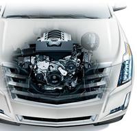 エンジンは大排気量のV8、1種類のみ。