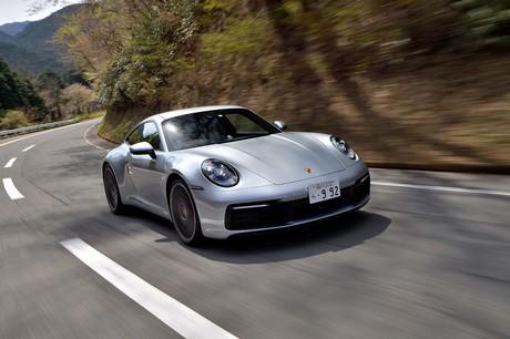 高性能スポーツカー「ポルシェ911」シリーズの中で最もベーシックな「911カレラ」に試乗。その走りは、先行...