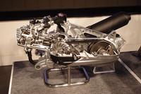 次世代125ccスクーター用エンジン。市場全体の7割を占める新興国を中心に、今度さらなる需要拡大が見込まれている。