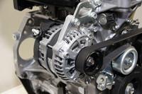 一般的な軽自動車用に対して、約2倍の発電能力がある高出力オルタネーター。