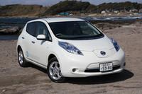 2010年12月末に販売がスタートした、日産の電気自動車「リーフ」。