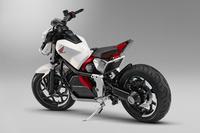 【東京モーターショー2017】ホンダ、電動スポーツカーのコンセプトモデルを発表の画像