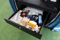 「フリード+」の高床構造を活用し、荷室にはスライド収納が追加されている。