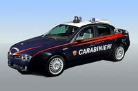 アルファ159軍警察仕様。こういういいクルマ、やっぱり上官や先輩に優先配備か? (フィアット提供)