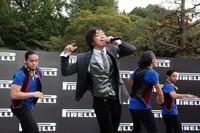 記者会見の後は、『Folder』のメンバーとして知られたミュージシャン三浦大知のパフォーマンスも。「DRAMA」と「Touch Me」の2曲が披露された。