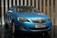 上海GMのベストセラー「ビュイック・エクセル」。写真は最近追加された5ドアハッチバックの「エクセルXT」。