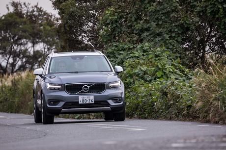 あっさり完売してしまった「ボルボXC40」の導入記念モデル「T5 AWD R-DESIGNファーストエディション」に続...