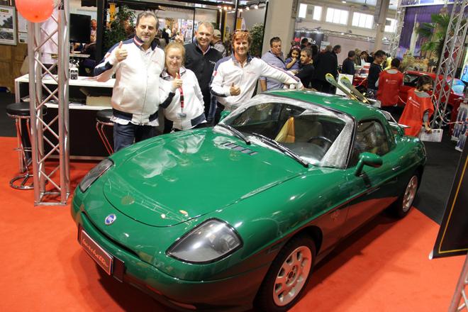 クラブ展示もさまざま。これは会員数500人という「フィアット・バルケッタ」のクラブ。「2年後には製造20年の車両もイタリア古典車協会のヒストリックカー登録が可能になり、各種優遇措置が得られるようになります」とスタッフは語る。