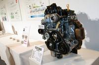 エンジンは「アルト エコ」にも採用される「R06A」型エンジンをベースに、さらに低フリクション化が図られたもの。より高出力なオルタネーターも組み合わされる。