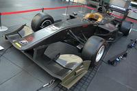 2014年シーズンのスーパーフォーミュラで使用されるレーシングマシンの「SF14」。