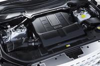 搭載されるエンジンは計4種類。最も強力なガソリンの5リッターV8スーパーチャージャー付きユニットは510psを発生する。