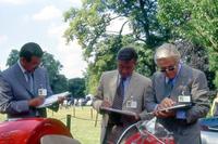 2002年LVCで。平井和平トヨタ常務役員、L.フィオラヴァンティ氏とともに。
