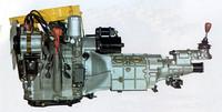 67年5月に市販開始された「コスモスポーツ」用の2ローター・ロータリーエンジン。491cc×2から最高出力110ps/7000rpm、最大トルク13.3kgm/3500rpmを発生した。翌68年7月に出た普及型ロータリー第1弾の「ファミリア・ロータリークーペ」では100psにデチューンされていたが、それでもリッターあたり100馬力。つまり軽規格に収めた1ローター・360ccでも、 36psは固かったと思われるが、当時は40ps以上になるだろうと噂されていた。