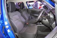 新型「スイフト」のフロントシート。「RS」系のグレードには、専用のシート表皮が用いられている。