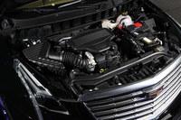 エンジンは「CT6」にも搭載される3.6リッターV6 DOHCのみ。トランスミッションは8段ATが組み合わされる。