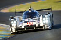 久々に最高峰クラスでの参戦となったポルシェ。写真の20号車は、決勝でも一時はトップを走る健闘を見せた。
