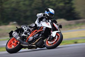 KTM RC390/390デューク/1290スーパーデュークR【試乗記】
