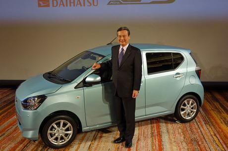 """「ダイハツ・ミラ イース」が2代目へと進化。従来型の特徴だった低燃費・低価格に加えて、新型では""""+α""""..."""