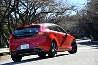 年次改良を受けた、最新型の「ボルボV40 T5 R-DESIGN」。日本では2014年11月に発売された。