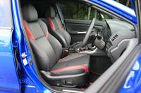 テスト車に装備されていたオプションの本革シート。標準仕様はアルカンターラと本革のコンビシートとなっている。