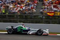 ホンダはジェンソン・バトン(写真)が6位完走し今季初ポイントを獲得した。チームメイトのルーベンス・バリケロは、ピットイン中ジャンカルロ・フィジケラと接触しフロントウイングを破損。緊急ピットインの後リタイアをきっした。(写真=Honda)