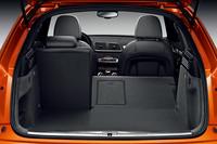 荷室は通常時の460リッターから、シートアレンジで1365リッターまで拡大できる。