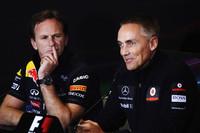 「ブローディフューザー禁止」をめぐり紛糾したイギリスGP。ルノーエンジン勢のレッドブル、クリスチャン・ホーナー代表(左)と、メルセデスエンジンを使うマクラーレンのマーティン・ウィットマーシュ代表(右)は、記者会見の場で各々の考えを戦わせた。(Photo=Red Bull Racing)