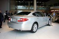 日産自動車が横浜の新社屋に移ってから、初のニューカーとなる2代目「フーガ」。生産は栃木工場。「GT-R」で培った最高のクオリティレベルでお客様にお届けすると自信を見せる。来春は北米市場にもお目見えし、以降、中国市場などが続く。